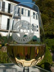 Una copa de vino al día, ¿saludable o no?